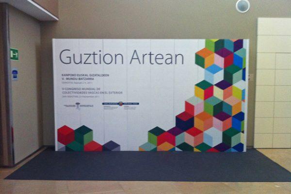 Guztion_Artean_03